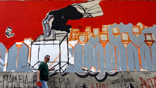 Yunanistan geleceğini oyluyor