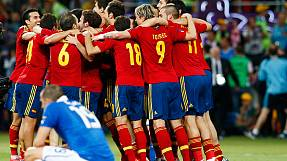 Spain demolish Italy to win Euro 2012
