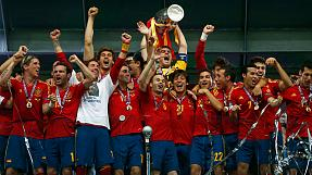 Euro 2012: Spain thrash Italy 4-0 to retain European crown