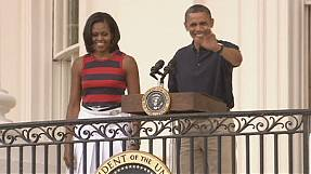 Obama campaigns on Independence Day