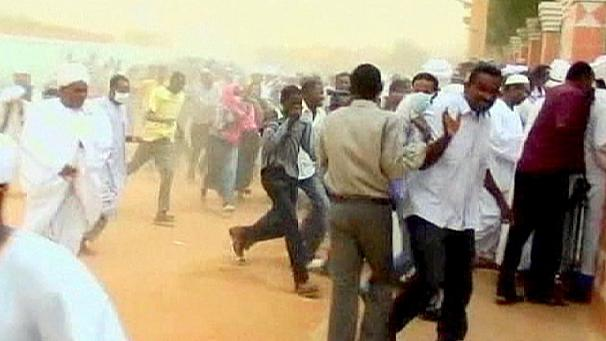 Sudan: police break up anti-austerity demo