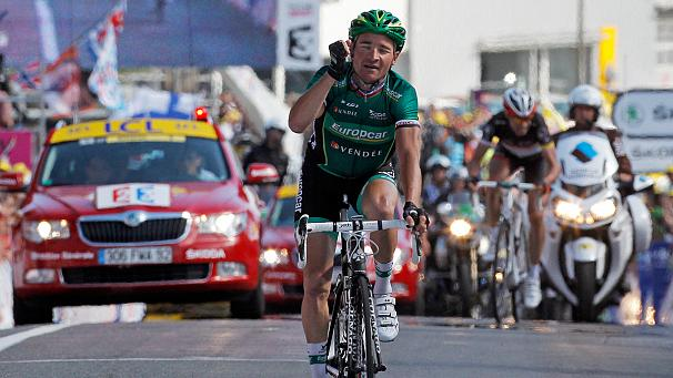 Tour de France: Voeckler wins 10th stage