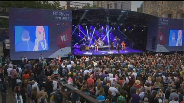Scissor Sisters top London's river of music