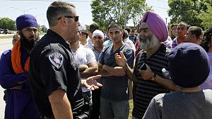 Gunman in US kills six and wounds three at Sikh temple