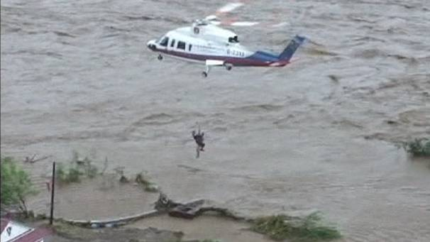 Typhoon-stranded residents rescued in China
