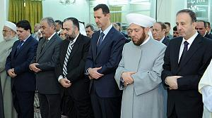 Syria: Assad makes rare public appearance