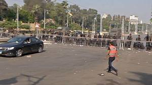 Egypt: Mursi opponents continue protest