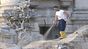 Taps turned off as Trevi Fountain undergoes repairs