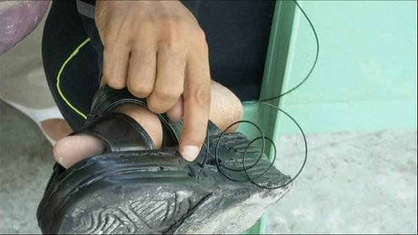 Iraq's sole-power phone-charging feat