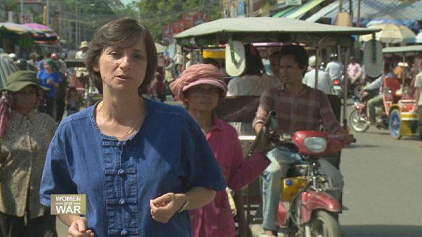 Камбоджийские женщины остаются на передовой
