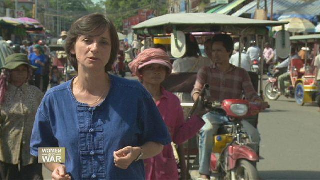 Kamboçya: Savaşın yaralarını kadınlar sarıyor