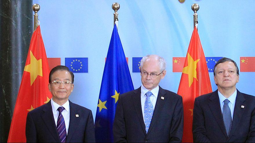 Líder chinês apela ao fim do embargo de armas e proteccionismo europeus