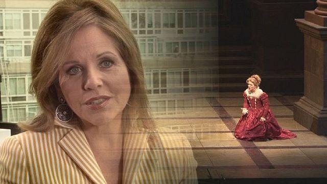 Desdemona lives in Manhattan