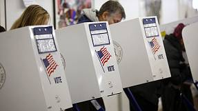 US election tension: Obama and Romney battle for crucial supporter turnout