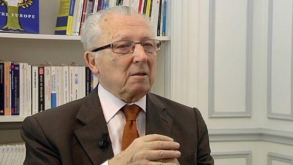 Delors: Nobel prize rewards everyone in Europe