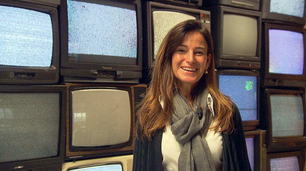Em Itália, os velhos televisores vão para o chão