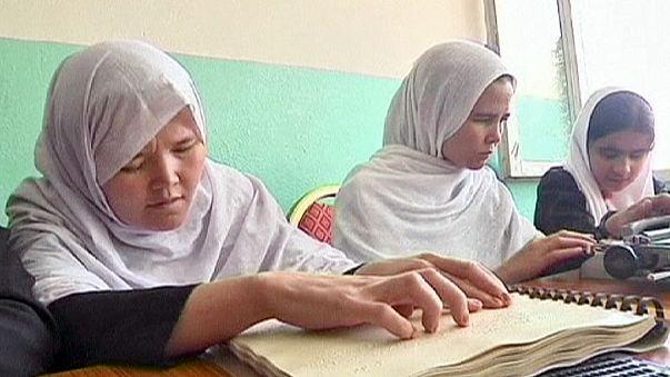 Eğitimle engellileri topluma kazandırma projeleri