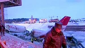 At least 4 dead in Moscow airport plane crash