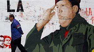 'Complications' threaten Chávez' recovery