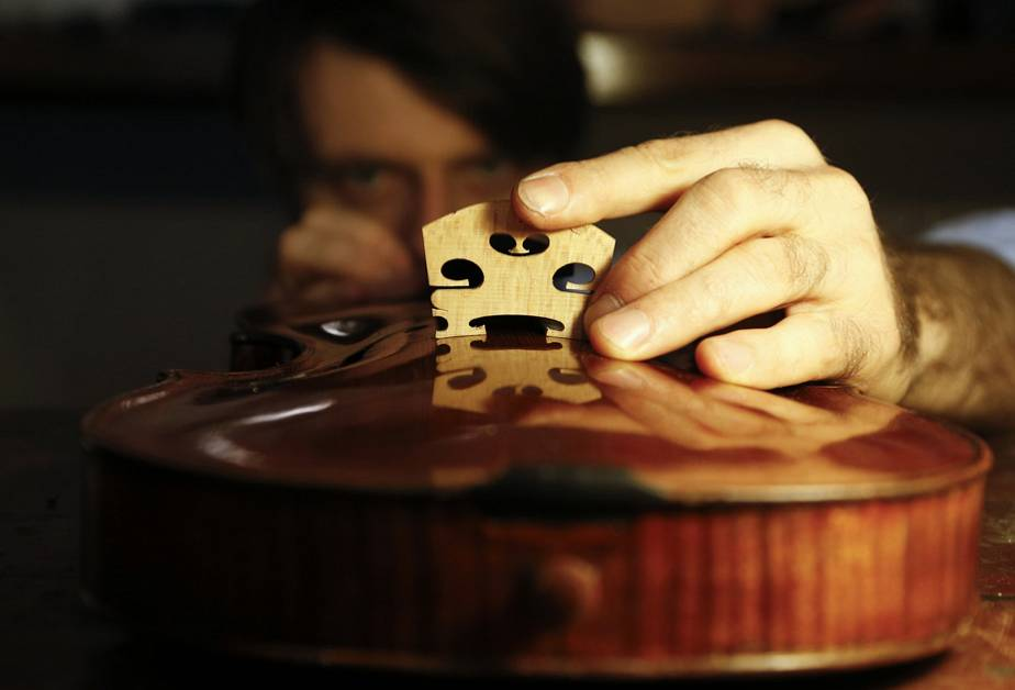Violin making in Rome
