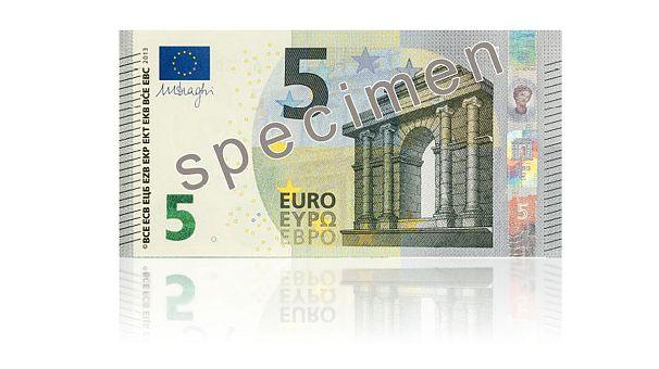 Le nouveau billet de 5 euros présenté à Francfort