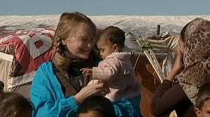 Mia Farrow demands aid for Syria refugees