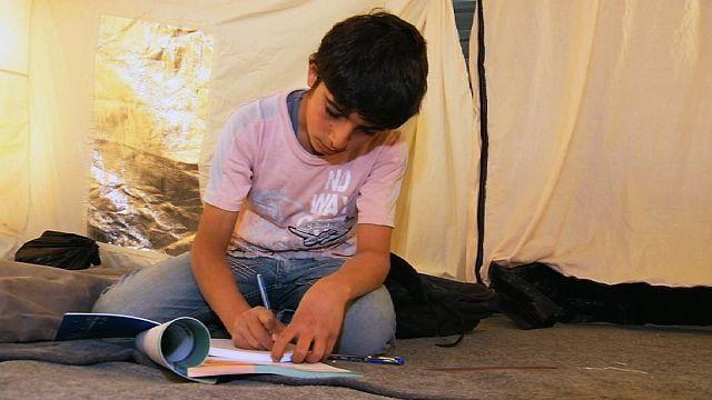 اللاجئون والتعليم