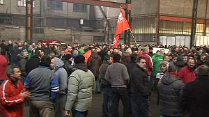Liege steel employees vote to work and protest