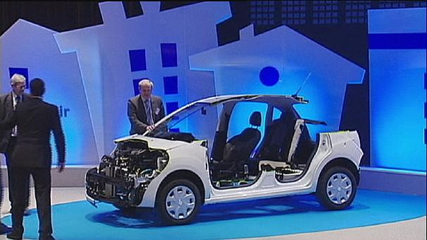 Peugeot- Citroën's air-powered hybrid