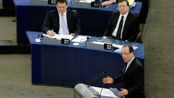 Hollande warns Europe's fiscal hawks over EU budget
