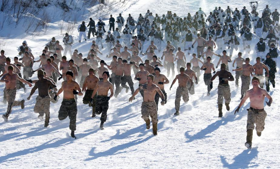 South Korean and US soldiers brave freezing temperatures in winter drill