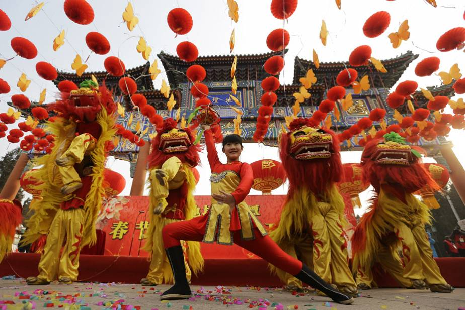 The lion dance to celebrate the Year of the Snake