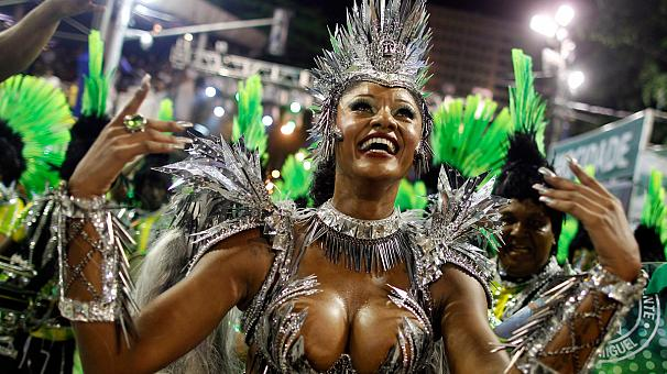 Will Smith joins Rio Carnival revellers