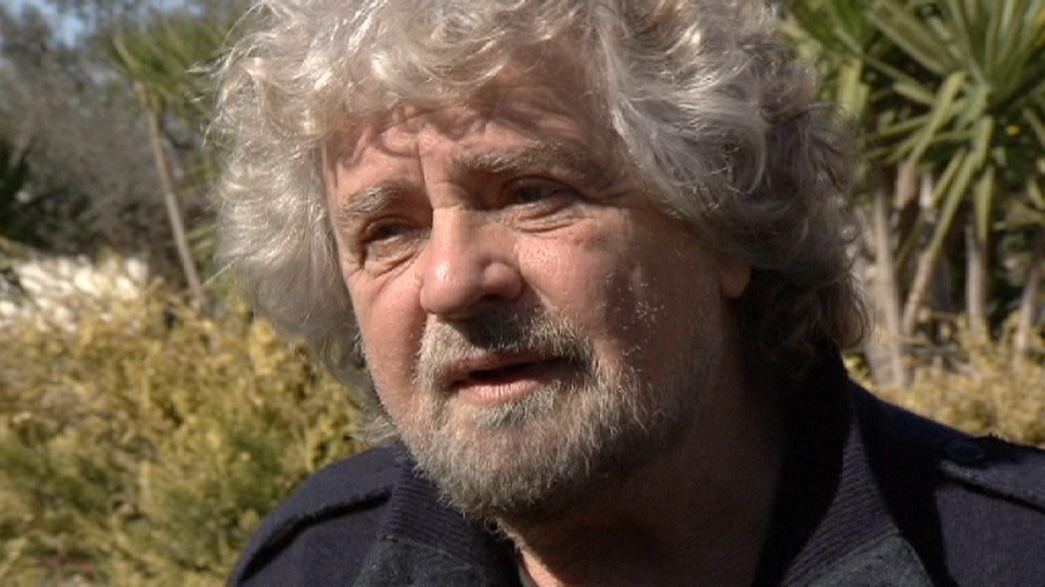 Beppe Grillo: a bordo di un camper alla conquista d'Italia