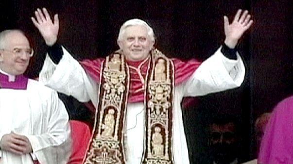 إرث بنديكتوس : الثمان العجاف بين الكنيسة والرعية