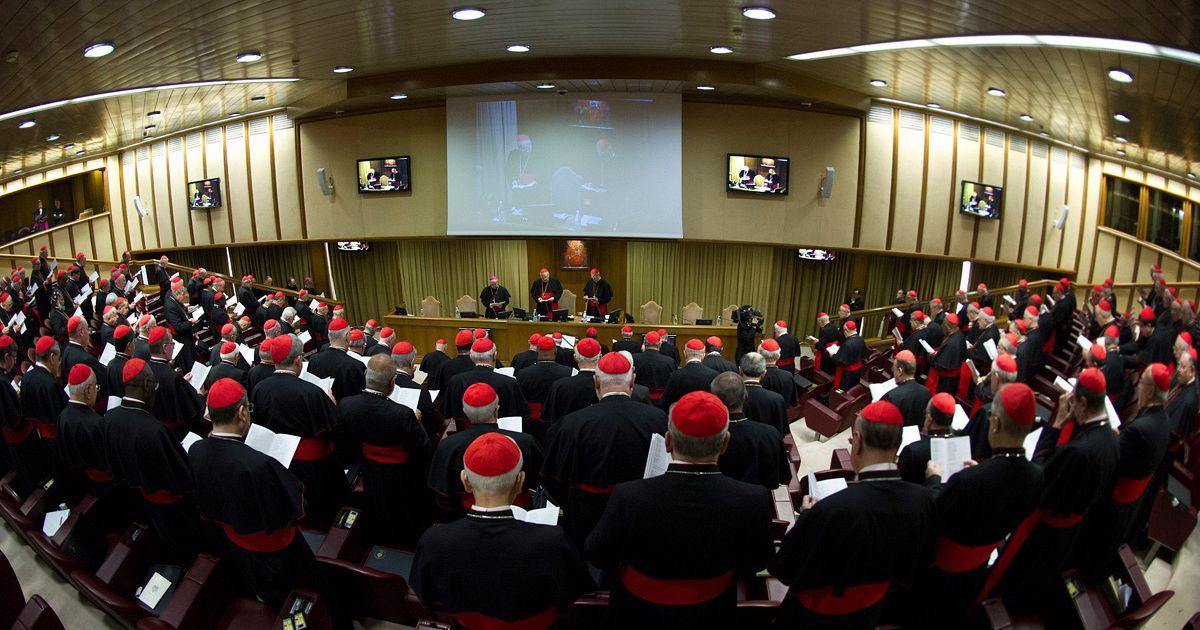 Streng Geheim in English Vatikan Alles Streng Geheim