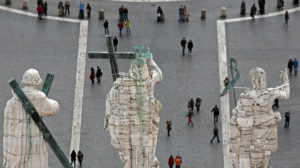 Un nuevo Papa capaz de afrontar los desafíos de una Iglesia en crisis