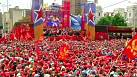 Maduro greeted by thousands ahead of Venezuelan election