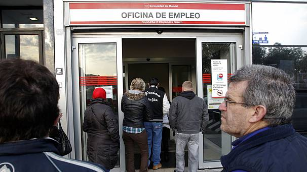 Spanish PM Rajoy pledges billions of euros to help young unemployed
