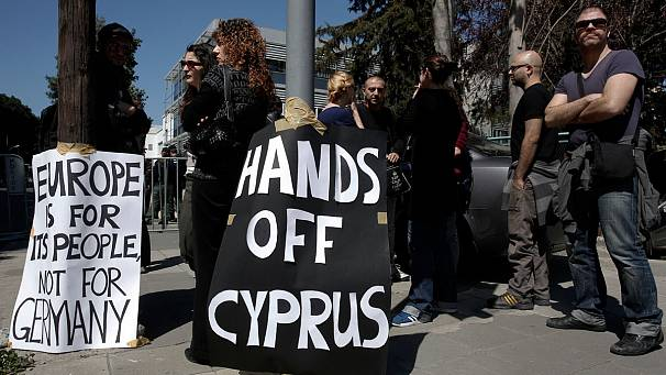 Cypriot ministers delay vote, try to revise bank tax plan