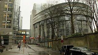 المؤسسات الرسمية الاوروبية ملبكة بالازمة المالية القبرصية