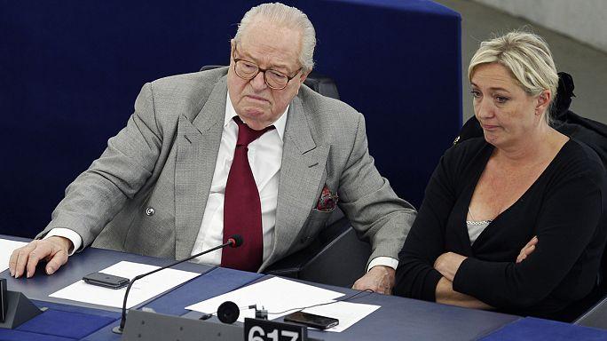 Faut-il cesser de financer certains partis européens ?