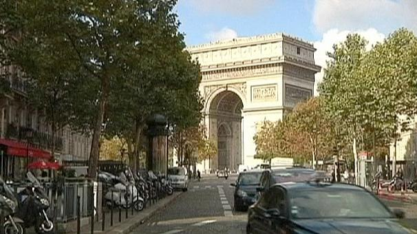 France 'heading into triple-dip recession'