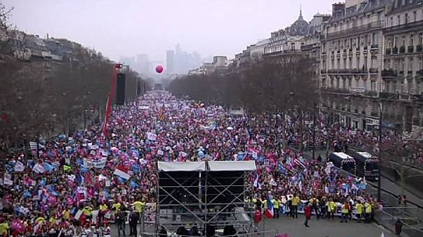 Thousands join anti-gay marriage protest in Paris