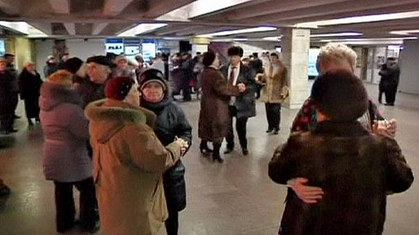 Tube-train tango provides fun for Kiev pensioners