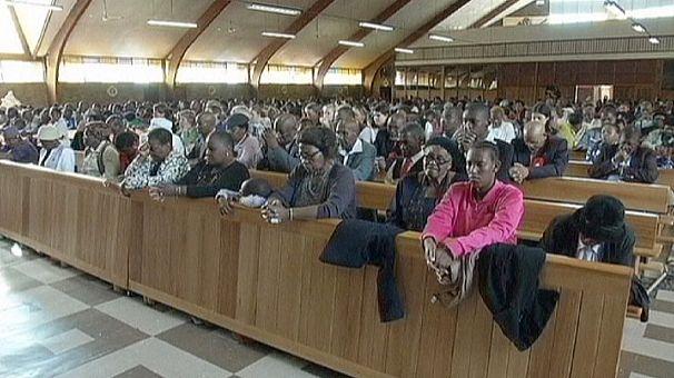Sudafrica: Pasqua di preghiera per Mandela