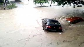 Deadly flash floods ravage Mauritius