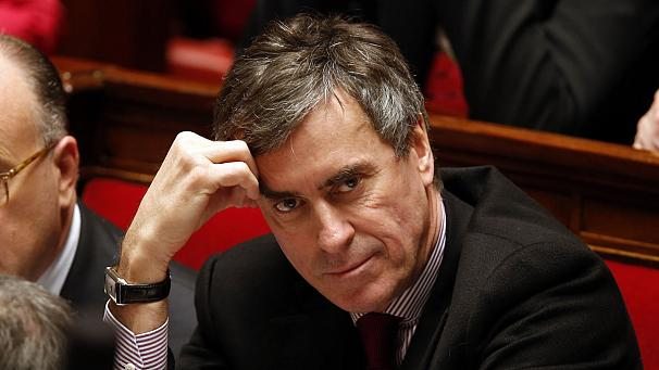 Ex-French minister with millions to invest
