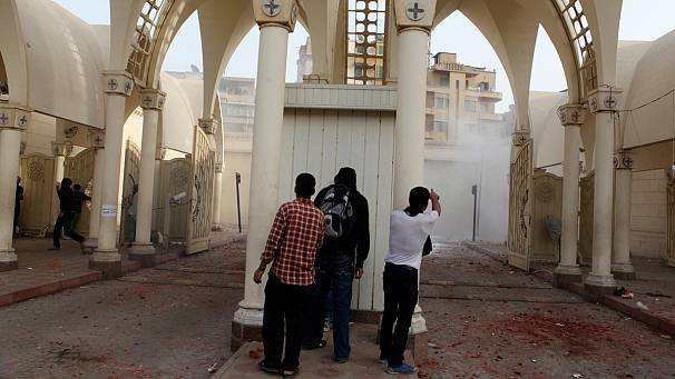 Mursi condemns deadly Cairo violence against Coptic Christians
