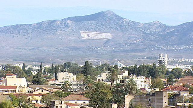 Kıbrıs: Ekonomik kriz gölgesinde diplomasi